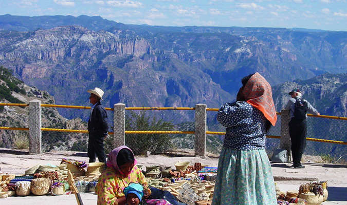 copper-canyon-people-selling