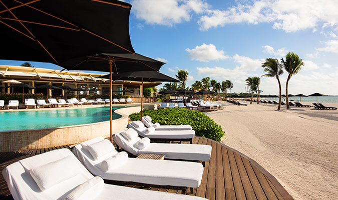 Rosewood Mayakoba beach and pool