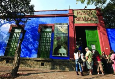 Guide to the Frida Kahlo Museum